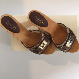 Coach Quinn Wooden Brown Clog Sandals - Size 7.5